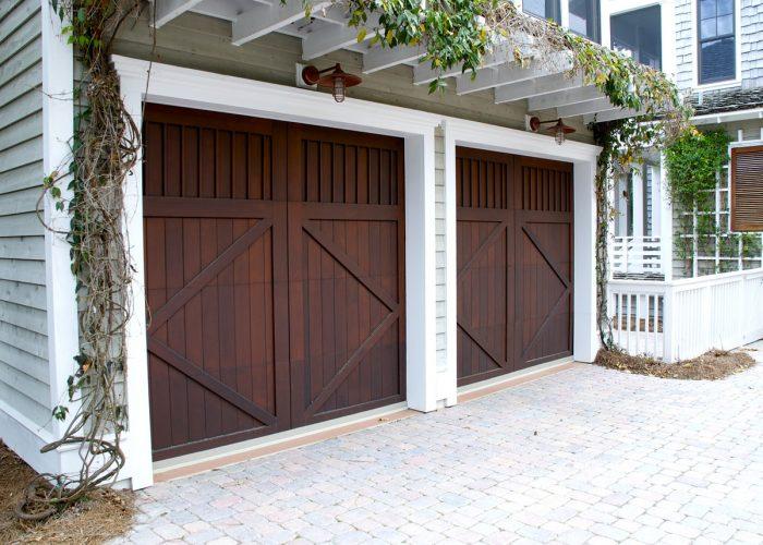 comment isoler une porte de garage ma porte de garage. Black Bedroom Furniture Sets. Home Design Ideas