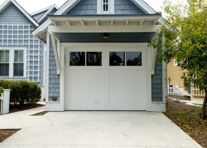 avantages et inconv nients d une porte de garage motoris e ma porte de garage sur mesure. Black Bedroom Furniture Sets. Home Design Ideas